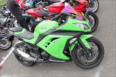 ROAD RIDER: Street motorcycle in Japan - Kawasaki Ninja250