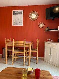 Un appartement agréable entre Anglet et Biarritz pour un week-end ou des vacances sur la Côte basque Biarritz, Week End, Decoration, Vacation, June, Decor, Decorations, Decorating, Dekoration