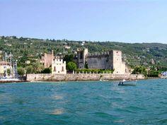 Wedding in an antique castle with beautiful views of Lake Garda, Verona, Italy - wedding package from Emozioni per sempre wedding planner - iBride.com