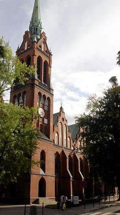 W Gdańsku wojska już nie ma, ale jest garnizonowy kościół pw. Apostołów Piotra i Pawła. Przypisany jest 49. pułkowi śmigłowców bojowych w Pruszczu Gdańskim