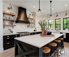 Looking for for ideas for farmhouse kitchen? Check this out for unique farmhouse kitchen images. This kind of farmhouse kitchen ideas will look completely excellent. Farmhouse Style Kitchen, Modern Farmhouse Kitchens, Black Kitchens, Home Decor Kitchen, New Kitchen, Cool Kitchens, Kitchen Dining, Kitchen Black, Kitchen Wood