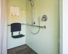 die 59 besten bilder von behindertengerechtes bad badezimmer badewanne und badezimmerideen. Black Bedroom Furniture Sets. Home Design Ideas
