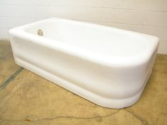 Columbus Architectural Salvage - Left Hand Drain Apron Bathtub