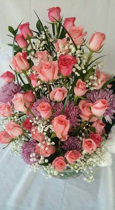 Birthday flowers and plants. Beautiful Flowers Wallpapers, Beautiful Rose Flowers, Exotic Flowers, Amazing Flowers, Birthday Wishes Flowers, Happy Birthday Flower, Rose Arrangements, Beautiful Flower Arrangements, Red Rose Bouquet