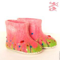 Обувь ручной работы. Ярмарка Мастеров - ручная работа. Купить Детские домашние валенки. Handmade. Розовый, тапочки домашние