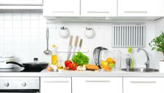 A good feng shui kitchen can greatly improve your life. Here's a guide on the ideal positioning, size, organization, and color of a feng shui kitchen. It also shares quick fixes if your kitchen doesn't fit some of these requirements. Big Kitchen, Kitchen Cart, Kitchen Design, Kitchen Cabinets, Kitchen Modern, Kitchen Trends, Kitchen Hacks, Kitchen Gadgets, Kitchen Ideas