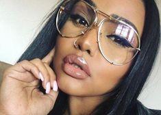 Oversized Designer Aviator Gold Metal Frame Glasses – Bella Valentina LA Rimless Glasses, Eye Glasses, High Fashion, Womens Fashion, Fashion Tips, Minimalist Fashion Women, Aviator Glasses, Glasses Frames, Vintage Fashion