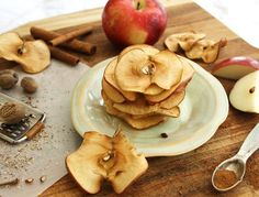 http://ift.tt/2gMu9lY  I decided to bake you some crispy apple chips. Seriously these things are so good. They almost taste like heaven. Theyre made up entirely of apples tossed with just a little lemon juice and cinnamon Yep thats it. Dont you love it when food tastes good is easy to make & is actually healthy for you too?These Crispy Apple Chips taste like a delicious treat but are still super healthy for you. This easy to make recipe will have you baking in no time.    Ingredients  Apples…
