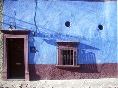 puertas y ventanas / doors and windows / portas e janelas. san miguel de allende, méxico.