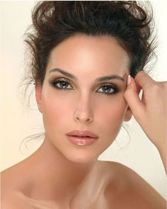 Bridal Makeup For Brunettes With Brown Eyes : Wedding Makeup on Pinterest Wedding makeup, Makeup and ...