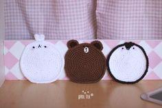 ♥ 너무 귀여운 캐릭터 '몰랑이' 티코스터에요. 코바늘 뜨기를 처음 배우고 첫 완성작이 '티코스터'여서 그... Crochet Cup Cozy, Crochet Case, Tea Coaster, Crochet Motif Patterns, T Shirt Yarn, Crochet Flowers, Couture, Coasters, Arts And Crafts