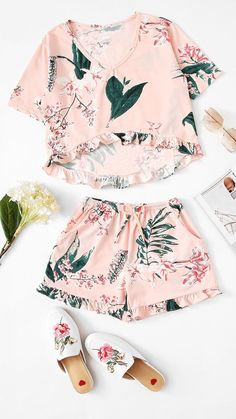 Flower print ruffle hem pajama set florais roupas hipster, r Cute Lazy Outfits, Outfits Casual, Casual Dresses, Summer Outfits, Girl Outfits, Fashion Outfits, Fashion Goth, Floral Outfits, Harajuku Fashion