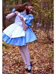 Best Halloween Costumes - Halloween Costume Ideas for Teens - Seventeen alice in wonderland Halloween Costumes For Teens, Cute Costumes, Cute Halloween, Halloween Ideas, Adult Costumes, Costume Ideas, Cosplay, Fancy Dress, Dress Up