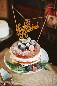 What's not to love about these gorgeous wedding day desserts?Whether you're having a rustic backyard ceremony, saying your vows in a dreamyvineyard or hosti