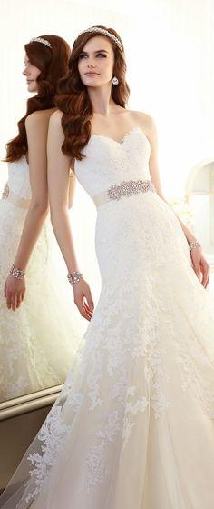 Essense of Australia Spring 2015 wedding dress http://www.wedding-dressuk.co.uk/lace-wedding-dresses-uk62_25_36