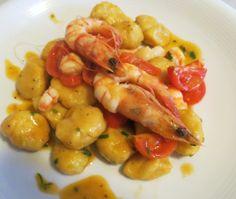 Nella tradizione del giovedì vi proponiamo una #ricetta ad hoc!! #Gnocchi di zucca, patate,curry e gamberi!
