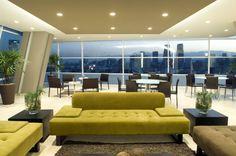 Busca imágenes de diseños de Salas estilo }: Skyview Polanco. Encuentra las mejores fotos para inspirarte y y crear el hogar de tus sueños.