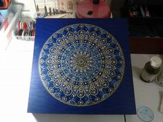 A estrela 1 (das Estrelas Voadoras) adoraria ter essa mandala em seus domínios! Feng Shui, Mandala, 1, Tapestry, Home Decor, Stars, Hanging Tapestry, Tapestries, Decoration Home