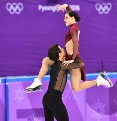21 Photos Of Tessa Virtue And Scott Moir Figure Skating Virtue And Moir, Tessa Virtue Scott Moir, Olympic Ice Skating, Roller Skating, Pairs Figure Skating, Tessa And Scott, 2018 Winter Olympics, Ice Dance, Olympic Sports