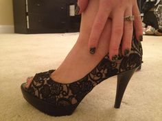 Black lace nails to match black lace shoes?  Yes Please!  Easy #nailart  <3 Jamberry  Black Fleur-de-lis Lace http://dfw.jamberrynails.net/home/ProductDetail.aspx?id=438