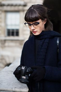 Check out On the Street.Somerset House, one of the exclusive pictures shot by Scott Schuman in London for Faces by The Sartorialist. The Sartorialist, Miu Miu Glasses, Belle Silhouette, Fashion Outfits, Womens Fashion, Fashion Trends, Net Fashion, Girls With Glasses, Look Chic