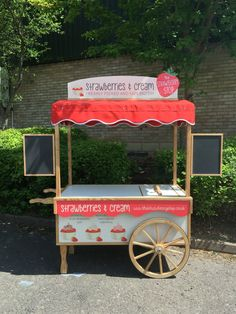 Strawberries and Ice cream cart made by the victorian cart company. Gastro, Ice Cream Cart, Candy Cart, Cafe Shop, Wimbledon, Kiosk, Popcorn Maker, Strawberries, Wonderland