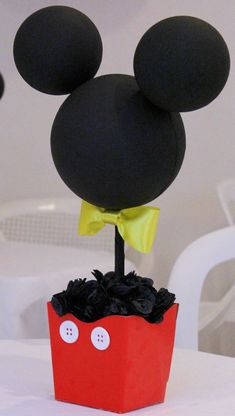 Mickey Mouse Minnie Mouse Centerpieces by ToodleTownBoutique Centro de mesa Mickey Mouse Minnie Mouse por ToodleTownBoutique Baby Mickey, Mickey 1st Birthdays, Mickey E Minie, Fiesta Mickey Mouse, Disney Mickey Mouse Clubhouse, Mickey Mouse Baby Shower, Mickey Mouse Clubhouse Birthday Party, Mickey Mouse Parties, Mickey Birthday