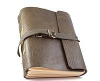 D-RING CLASP STRAP LEATHER JOURNAL IN OLIVE