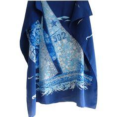 salvatoreferragamo,accessoire,vintagecollection,setasciarpa,bufanda,silkscarf,foulard,carrésoie,luxeoccasion,luxuryvintage