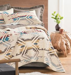 World-famous wool blankets, merino wool clothing & Southwestern decor for your home. Southwestern Home Decor, Southwestern Decorating, Southwestern Style, Santa Fe Home, Mission Style Furniture, Native American Decor, American Interior, Western Homes, Interior Decorating