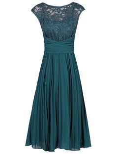 Teal blue lace top chiffon bridesmaid cocktail dress в 2019 Teal Cocktail Dress, Elegant Cocktail Dress, Cocktail Dresses, Country Dresses, Different Dresses, Classy Dress, Occasion Dresses, Chiffon Tops, Chiffon Dress
