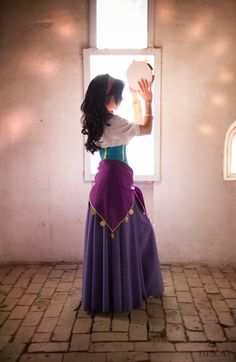 Custom Princess Esmeralda Cosplay Costume,Esmeralda Dress For Women - Gypsy - Halloween costumes Costume Esmeralda, Esmeralda Halloween, Pocahontas Costume, Esmeralda Disney, Mermaid Costumes, Halloween Cosplay, Halloween Party, Disney Halloween Costumes, Halloween Costumes For Brunettes