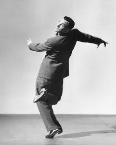 Gene Kelly Amazing Jazz and Tap Dancer. Gene Kelly Dancing, Fred Astaire, Dance Photos, Dance Pictures, Action Pictures, Classic Dance, Photography Movies, Tap Dance Photography, Dance Dreams