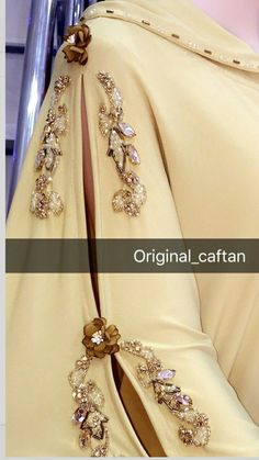 Crystal Embroidery, Embroidery Jewelry, Hand Embroidery Designs, Couture Embroidery, Embroidery Fashion, Arabic Dress, Pakistani Wedding Outfits, Moroccan Dress, Abaya Fashion