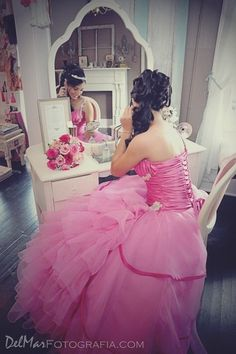 Photo Op- Make sure to get a photo of you getting ready for your Quinceañera Sweet 16 Pictures, Quince Pictures, Sweet Fifteen, Sweet 15, Quinceanera Party, Quinceanera Dresses, 15 Anos Dresses, Teen Girl Parties, Quinceanera Photography