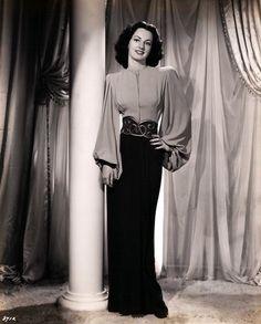 Virginia O'Brien  Love the blouse!