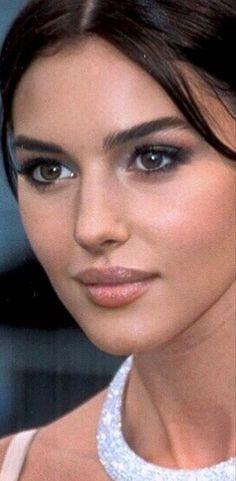 Most Beautiful Faces, Beautiful Pictures, Beautiful Women, Italian Beauty, Turkish Beauty, Art Of Letting Go, Face Proportions, Eye Makeup, Hair Makeup