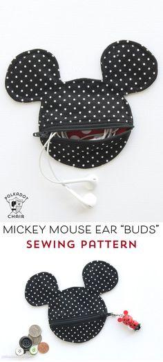 Freies Nähen Muster für eine Mickey Mouse inspiriert Ohr- Fall / Münzengeldbeutel.  Dies würde so nett sein, um vor meinem nächsten Disney Urlaub zu machen!