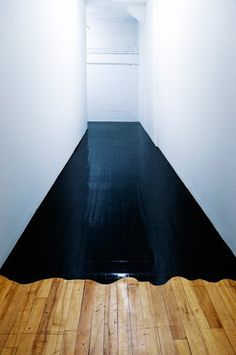 black paint on parquet Interior Architecture, Interior And Exterior, Architecture Images, Design Interior, Interior Paint, Kitchen Interior, Home Decoracion, Black Floor, Painted Floors
