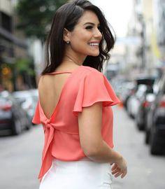 """811127688 Mells Moda on Instagram  """"Blusa Andressa 🌷 Olha que linda as costas desse  modelo! Um charme! 🔸 R 124"""