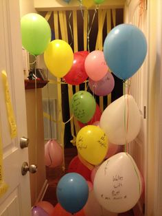 """Another pinner said ""Celebration from my husband with balloons with words of encouragement and bible verses. Fun idea for Valentine's Day, Anniversary or any other celebration. I Love My Hubby, Why I Love Him, Cute Birthday Ideas, It's Your Birthday, Work Anniversary, Anniversary Gifts, My Last Day, Presents For Him, Marriage Life"