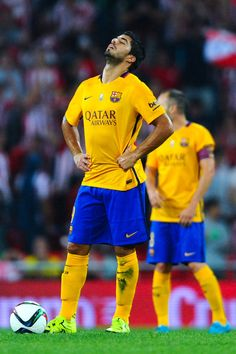 Luis Suarez of FC Barcelona reacts dejected during the Spanish Super Cup  first leg match between 44d335180