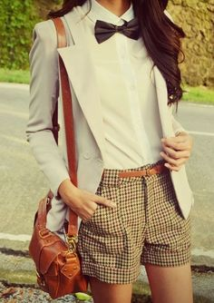 women fashion trends bow tie is a great choice to look great. showcased some of the stylish and chic ways you women and girls can wear a bow tie and look Tomboy Fashion, Look Fashion, Hipster Fashion, Mode Outfits, Casual Outfits, Tomboy Dresses, Preppy Style, Style Me, Boyish Style