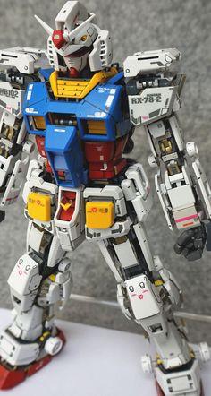 GUNDAM GUY: MG 1/100 RX-78-2 Gundam Ver. 3.0 'Open Hatch' - Customized Build