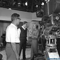 Behind the scenes of The Andy Griffith Show Barney Fife, 70s Tv Shows, The Andy Griffith Show, Me Tv, Classic Tv, Vintage Photography, Front Porch, Behind The Scenes, Roses