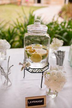 Summer wedding ideas: Homemade Lemonade
