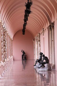 Blush And Black - Museums That Give Us Major Interior Envy - Photos