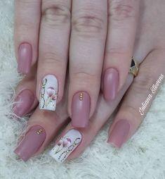 19 Fotos de Unhas decoradas com esmaltes nude perfeito Nude Nails, Pink Nails, Acrylic Nails, Korea Nail Art, Hair And Nails, My Nails, Luxury Nails, Nail Studio, Gel Nail Designs