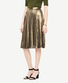 Shop Ann Taylor for effortless style and everyday elegance. Our Metallic Pleated Skirt is the perfect piece to add to your closet.
