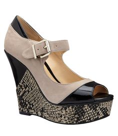 got these gianni bini wedges on sale this weekend at dillards.. my new fav pregnancy shoes! :-) only $59!